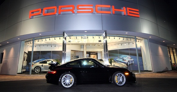 Porsche Exchange designed by Bleck & Bleck Architects