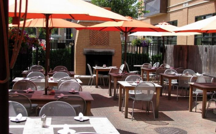 Outdoor dining at 545 North Bar & Grill.