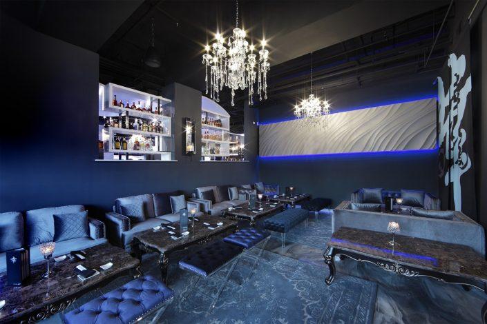 Shakou Arlington Heights lounge area.