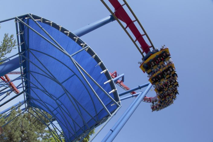 Six Flags Great America - Superman queueing