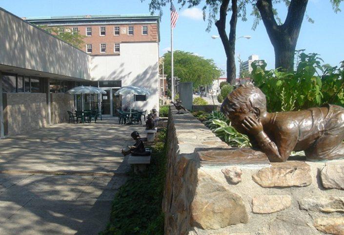 Waukegan Public Library exterior patio.